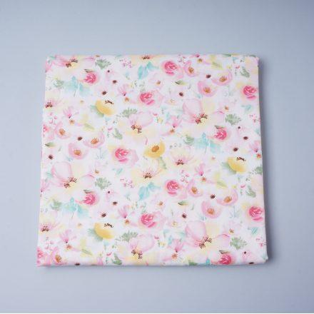 Сатин рожеві та жовті квіти на молочному